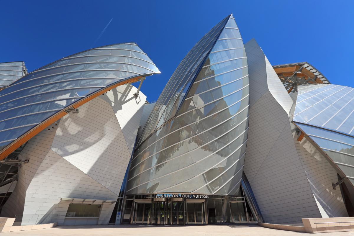 Façades vitrées et verrières de la fondation Louis Vuitton