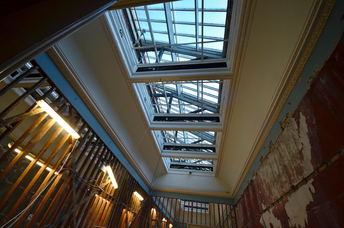Restauration lourde des intérieurs.