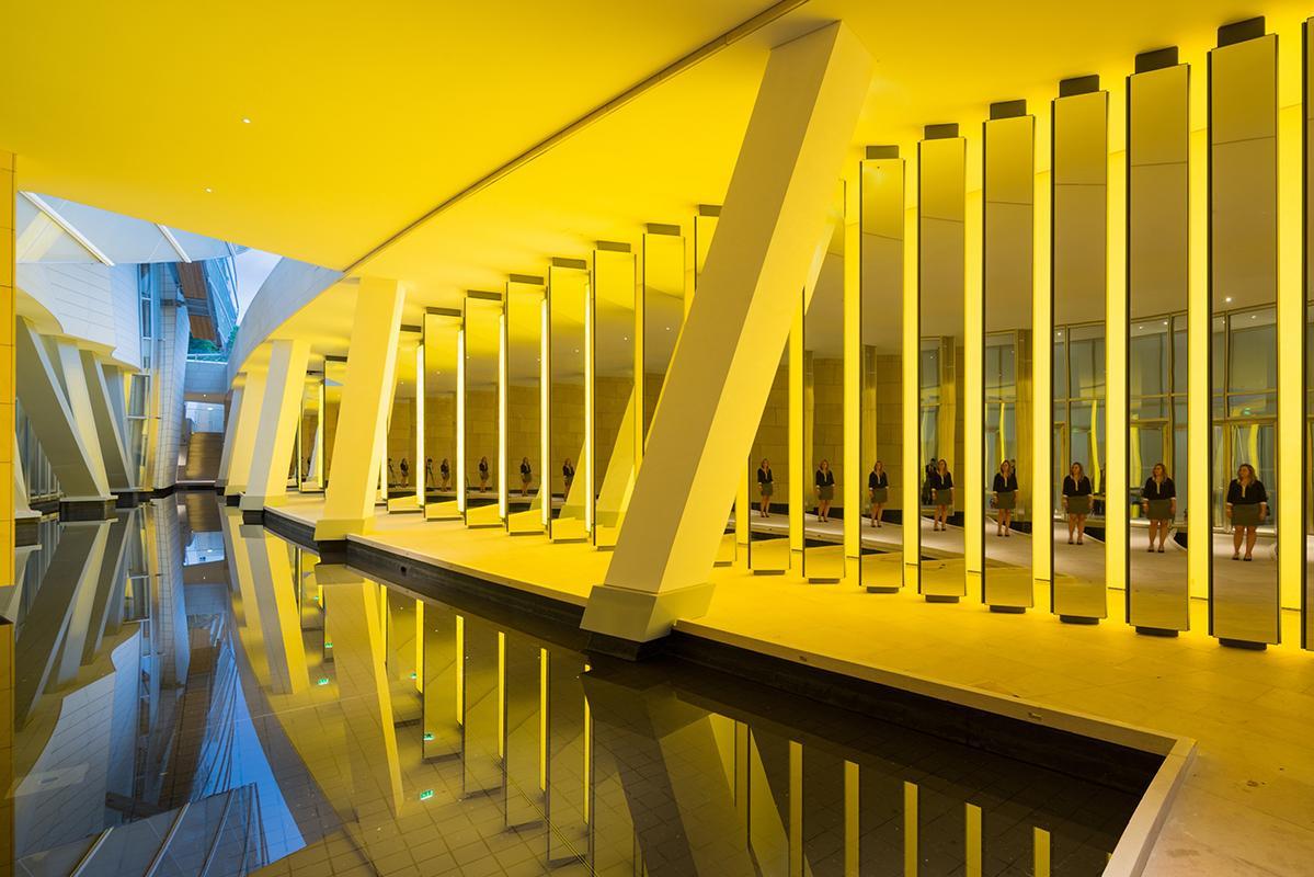 Inside the Horizon, Olafur Eliasson, prise depuis la passerelle d'accès au Grotto de la Fondation Louis Vuitton