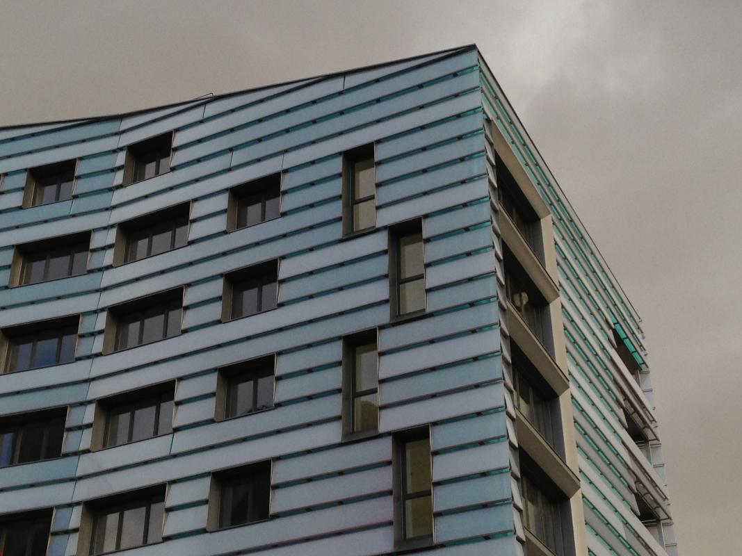 Angle du bâtiment.