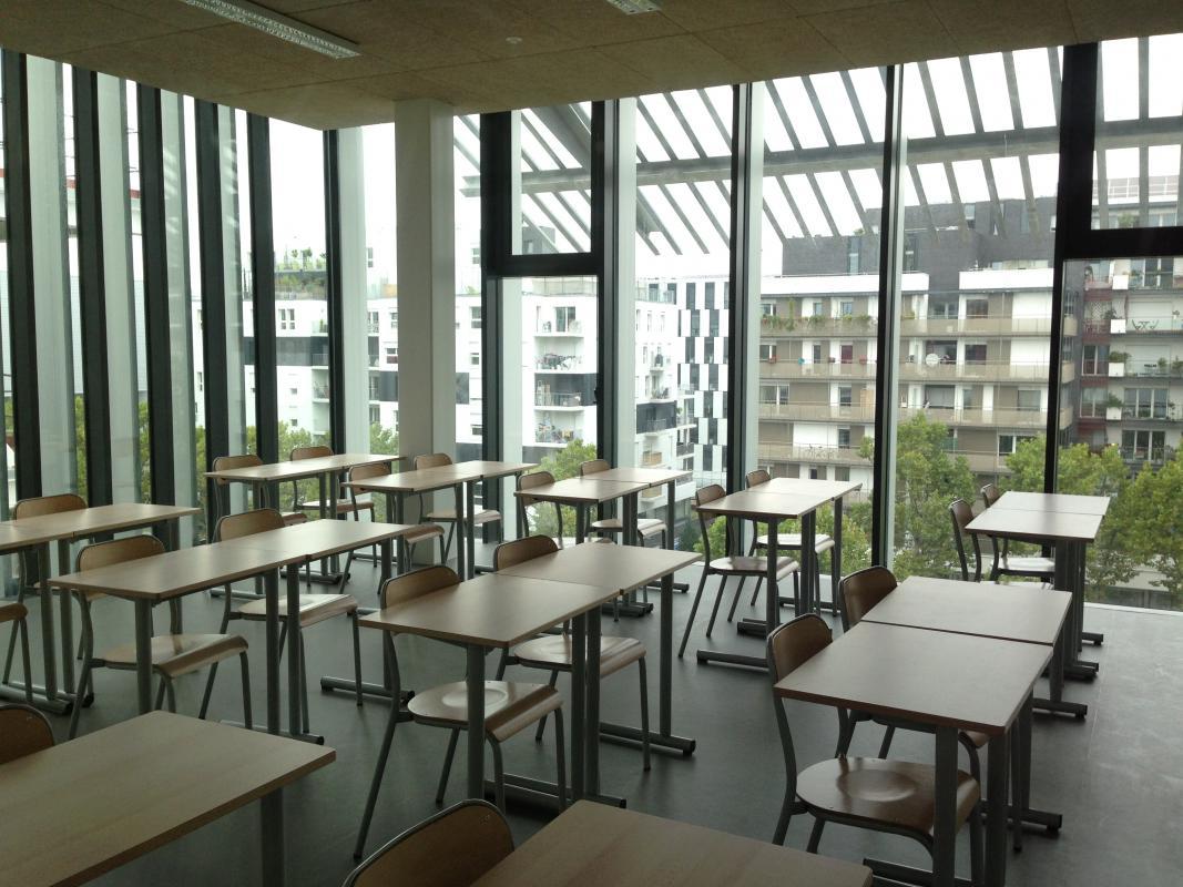 Vue intérieure d'une classe.