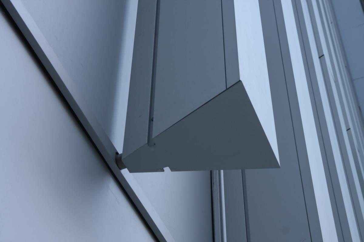 La géométrie triangulaire des extrusions en aluminium