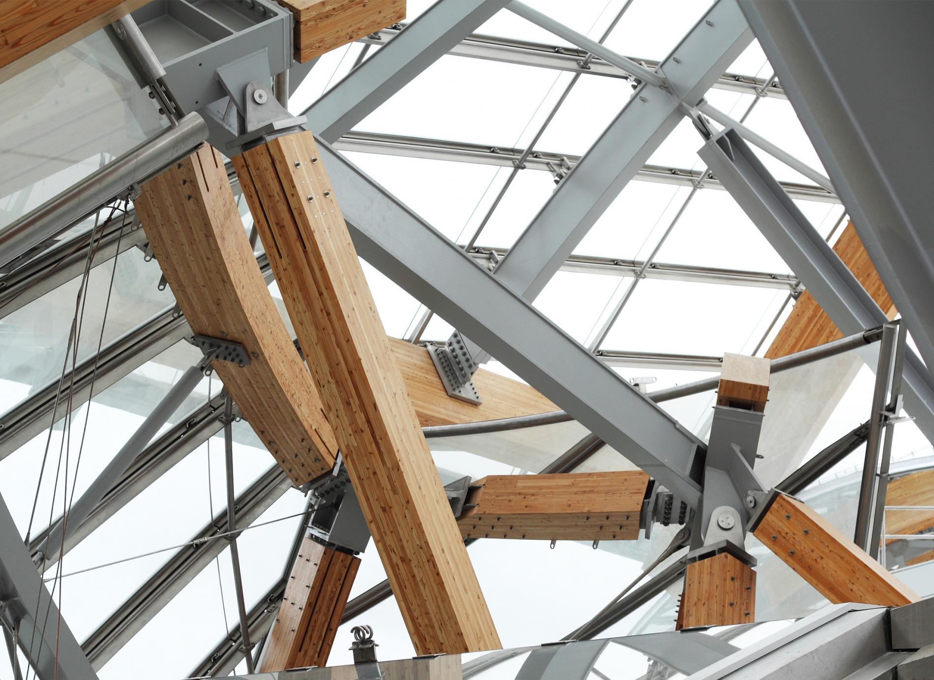 Structure mixte bois/acier, support des voiles vitrées de la Fondation Louis Vuitton.